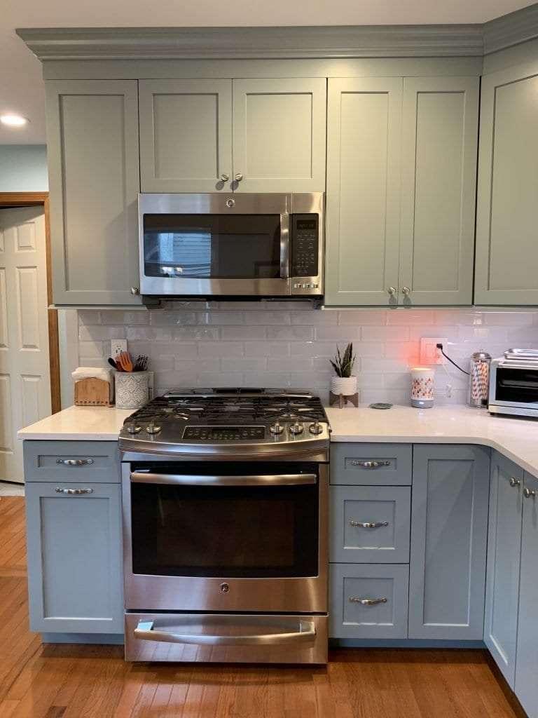 Dean Cabinetry Eudora Semi Custom Haze Full Access Full Overlay Kitchen Stove