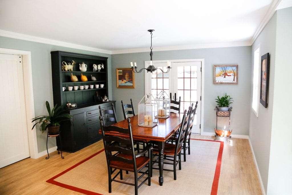 Dean-Cabinetry-Eudora-Semi-Custom-Oxford-II-Full-Access-Full-Overlay-Kitchen-Dining-Table