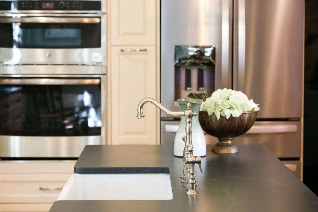 Dean Cabinetry Eudora Semi Custom Oxford II Full Access Full Overlay Kitchen Faucet