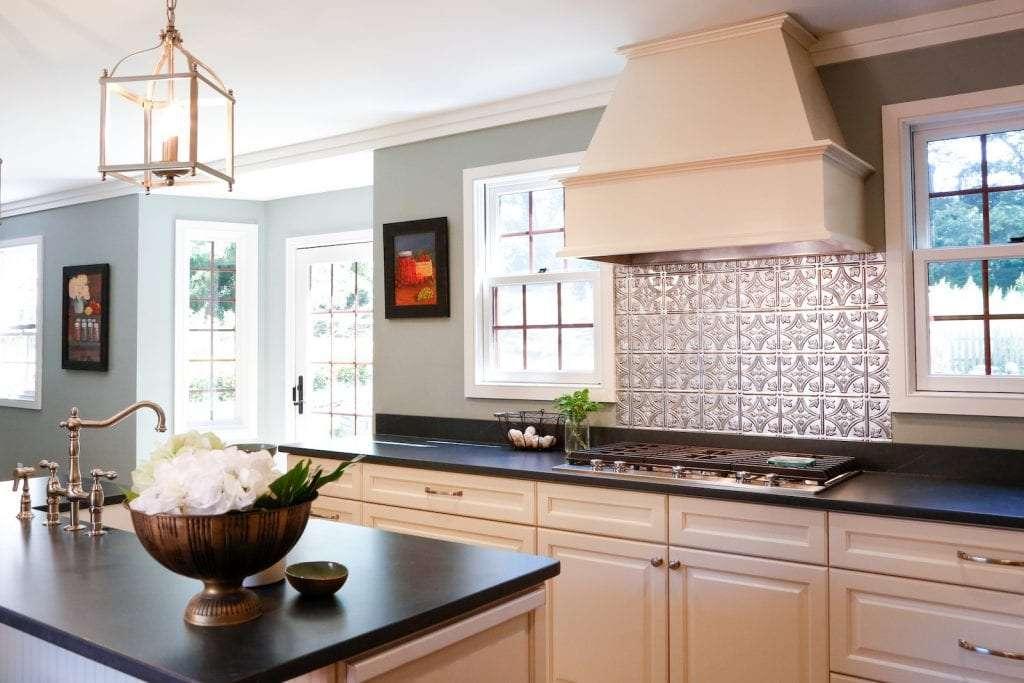 Dean Cabinetry Eudora Semi Custom Oxford II Full Access Full Overlay Kitchen Hood
