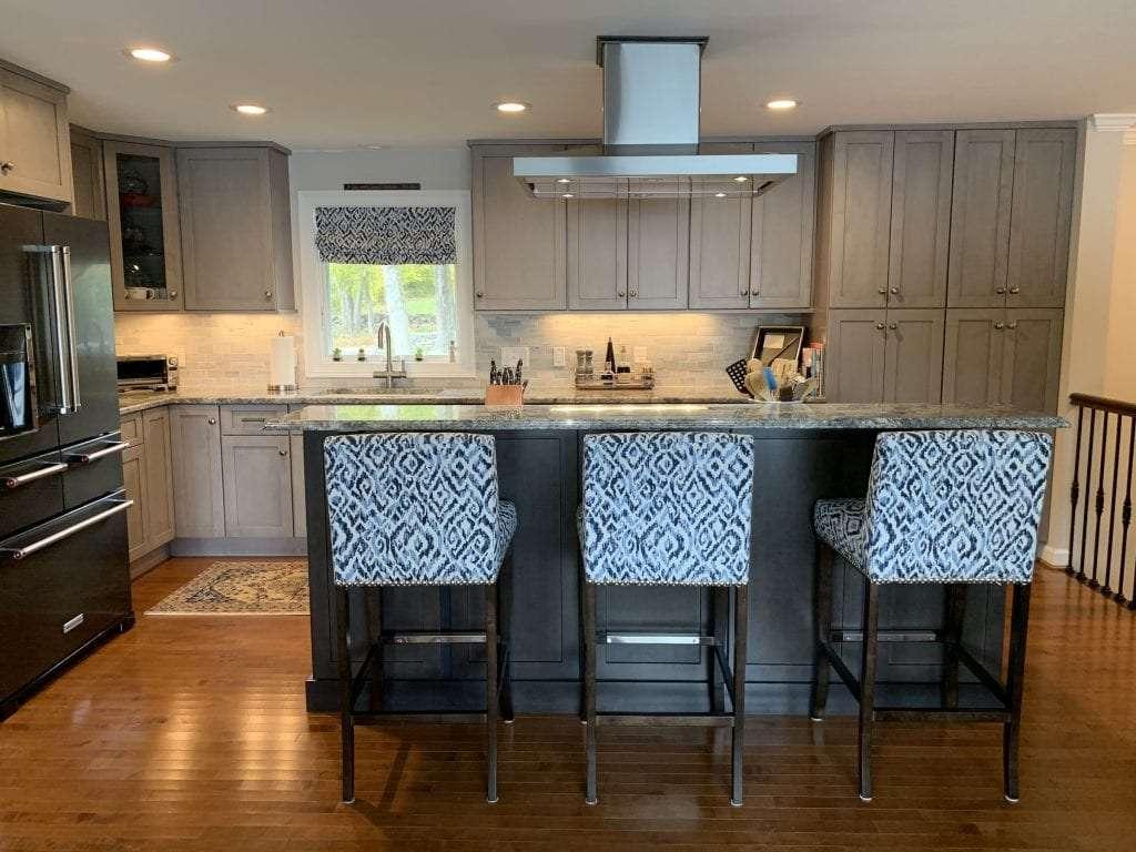 Dean Cabinetry Fabuwood Stock Galaxy Horizon Framed Full Overlay Kitchen Island