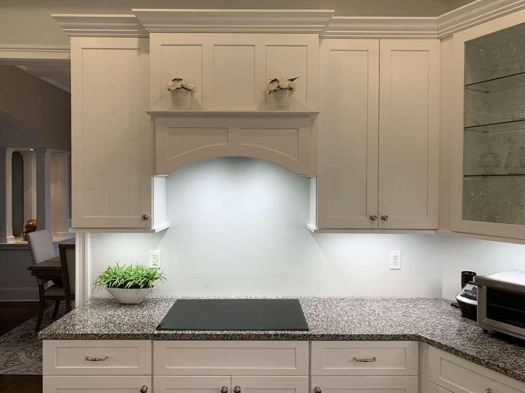 Dean Cabinetry Fabuwood Stock White Framed Full Overlay Kitchen Hood