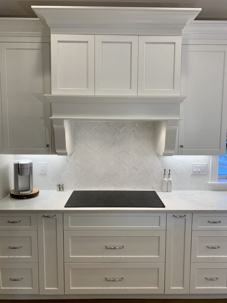 Dean Cabinetry John Dean Custom Cabinetry White Full Access Full Overlay Kitchen-Hood