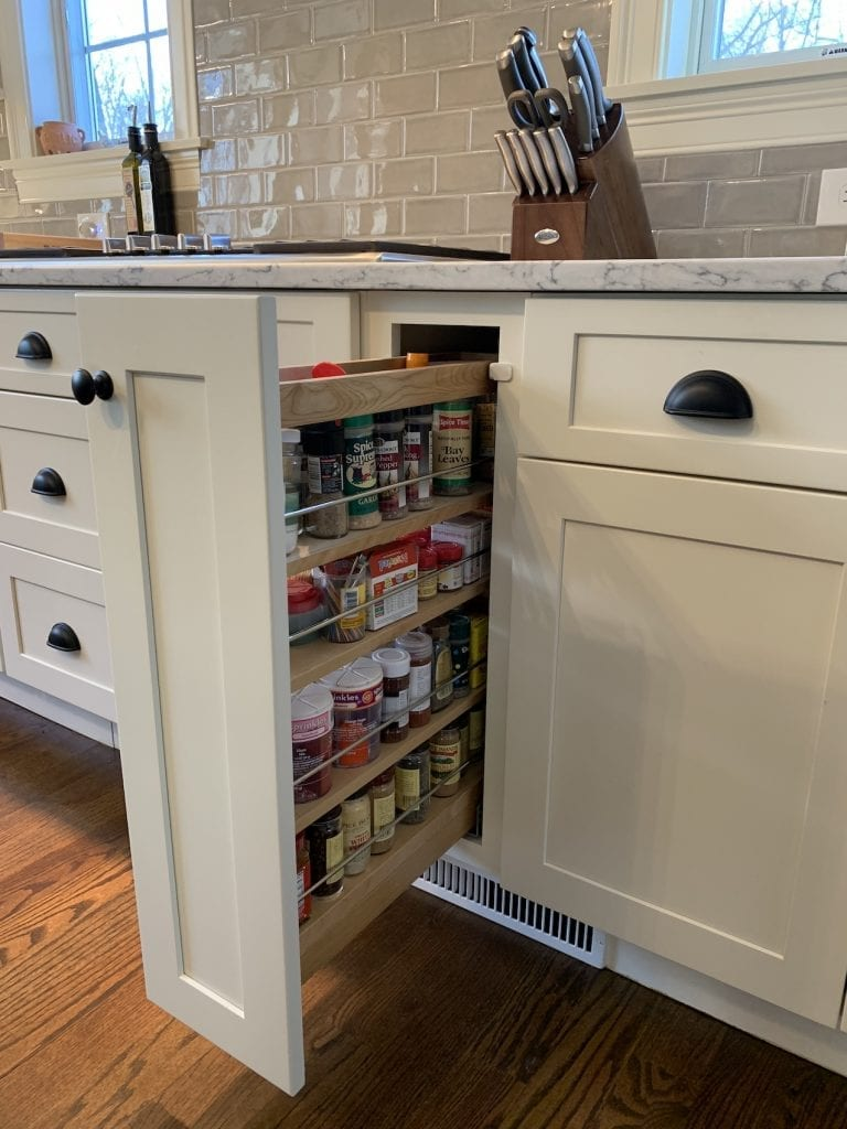 Dean Cabinetry Fabuwood Stock White Framed Full Overlay Kitchen Pullout