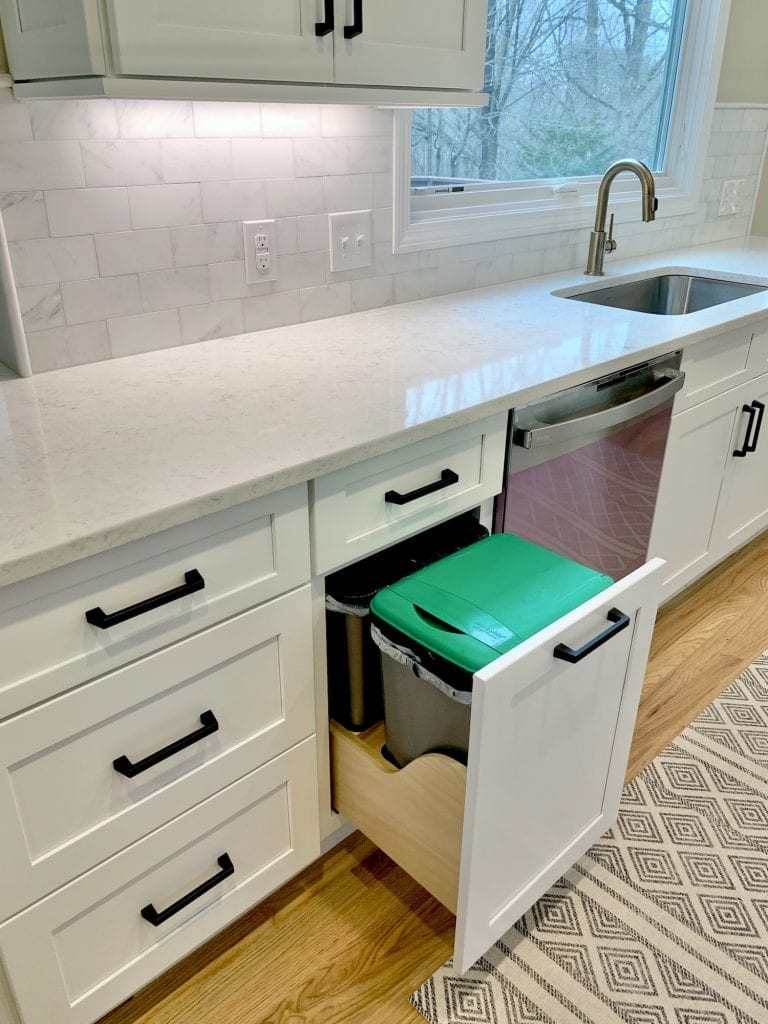 Dean Cabinetry Fabuwood Stock White Framed Full Overlay Kitchen Trash Pullout Green